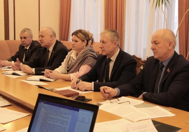 Во время заседания Постоянной комиссии Палаты представителей по жилищной политике и строительству